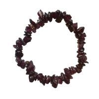 Granát - náramek z kamínků